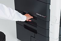 ud_hand_image_cabinet_02